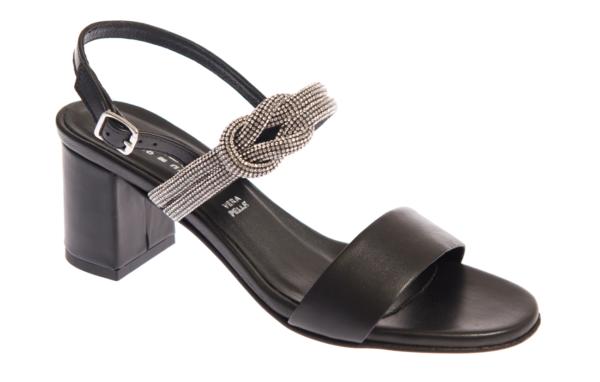 sandalo donna nero produzione artigianale made in italy
